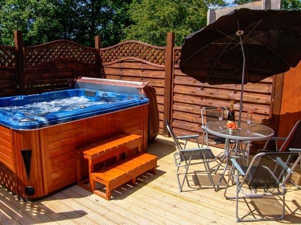 Log Cabin With Hot Tub In North Wales Asaph Fallows Lodge