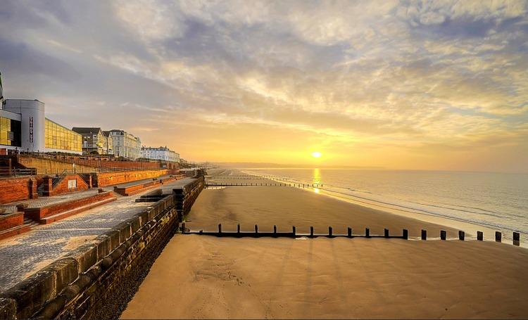 bridlington-beach-walk