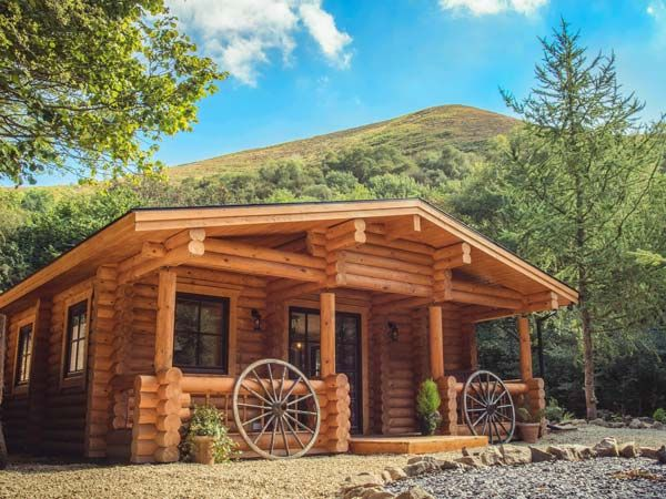 Wilderness lodge shropshire log cabins with hot tubs for Wilderness cabin plans