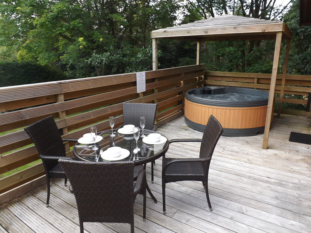 about-log-cabins-with-hot-tubs