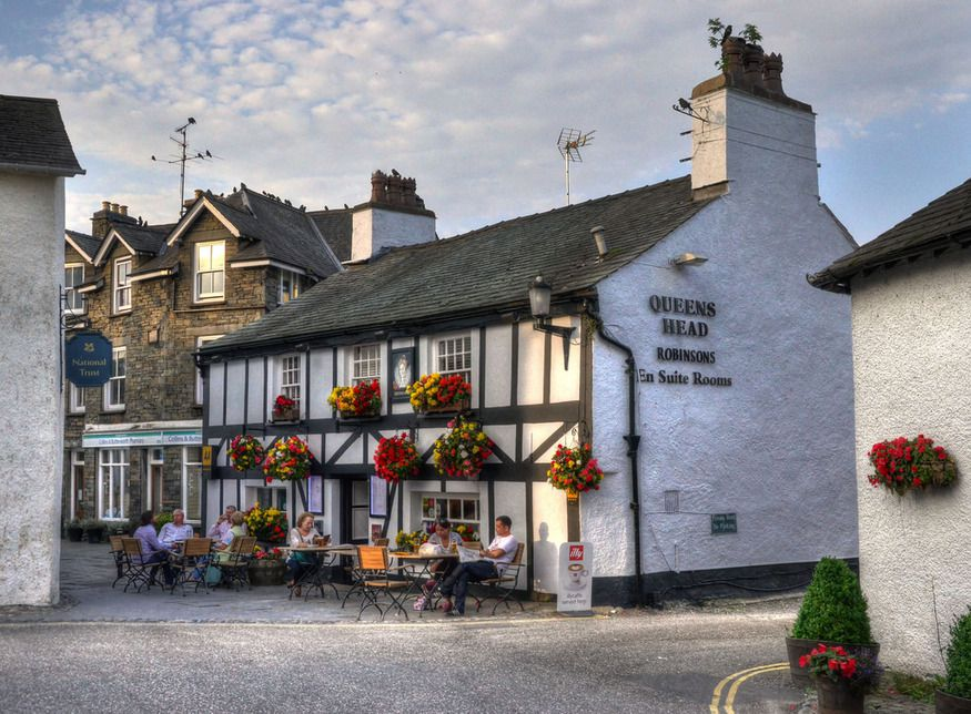 queens-head-hawkhead-dog-friendly-pub