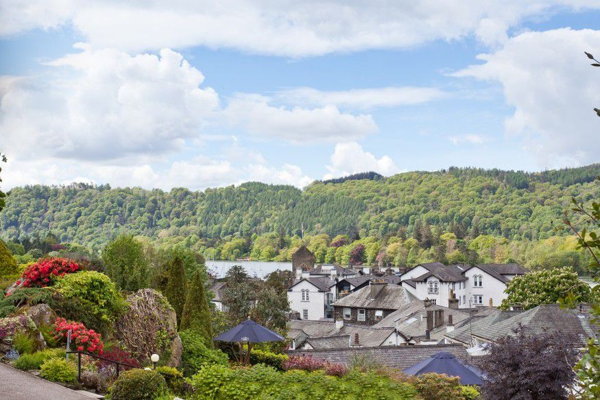 view-over-lake-windermere-bowness